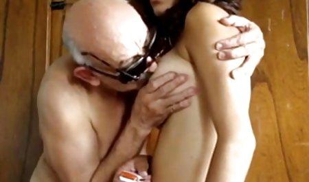 Trina છે એક ભીનું પિતા અને પુત્રી વાસ્તવિક porn ભોસ ચુત